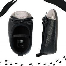 Ботиночки для новорожденной Carters